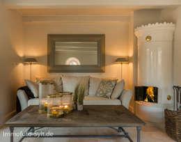Salas de estilo rural por Immofoto-Sylt