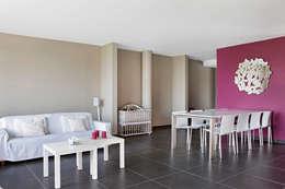 """Tubize """"TETRIS"""": Salle à manger de style de style Moderne par DATAscs"""