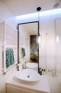 Apartament Praga : styl , w kategorii Łazienka zaprojektowany przez Devangari Design