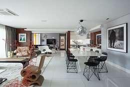 modern Dining room by Rodrigo Maia Arquitetura + Design