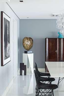 Edifício Maison Karine: Salas de jantar modernas por Rodrigo Maia Arquitetura + Design