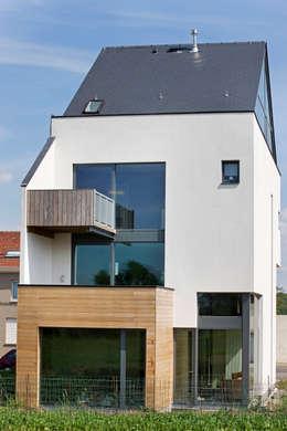 """Tubize """"TETRIS"""": Maisons de style de style Moderne par DATAscs"""