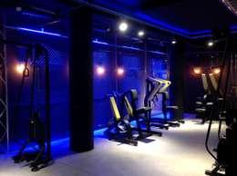 Тренажерные комнаты в . Автор – Romano Baratta Lighting Studio
