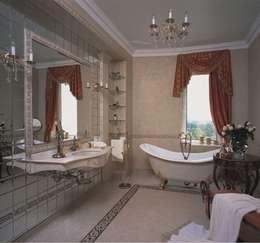 Дом на берегу моря: Ванные комнаты в . Автор – Prosperity