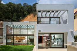 modern Houses by Micheas Arquitectos