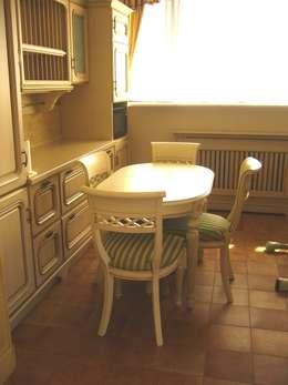 Дом, Калужское шоссе: Кухня в . Автор – Prosperity