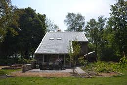 Woning te Tytsjerk: moderne Huizen door Dorenbos Architekten bv