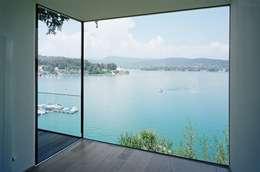 Salas de estilo moderno por Arkan Zeytinoglu Architects