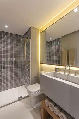 Projekty,  Łazienka zaprojektowane przez SESSO & DALANEZI