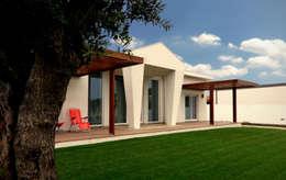 Projekty, klasyczne Domy zaprojektowane przez EVA | evolutionary architecture
