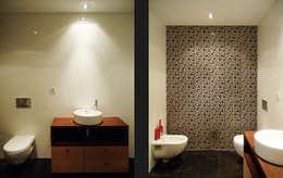 classic Bathroom by EVA | evolutionary architecture