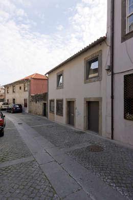 Casas de estilo minimalista por Paulo Freitas e Maria João Marques Arquitectos Lda