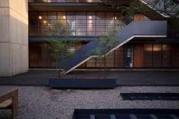 Pasillos y vestíbulos de estilo  por Alvaro Moragrega / arquitecto