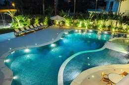 modern Pool by Hurban Liv Arquitetura & Interiores