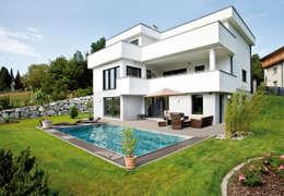 Projekty, nowoczesne Domy zaprojektowane przez ELK Fertighaus GmbH