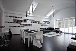 Wnętrza domu jednorodzinnego, Bielsko-Biała: styl , w kategorii Salon zaprojektowany przez modero architekci