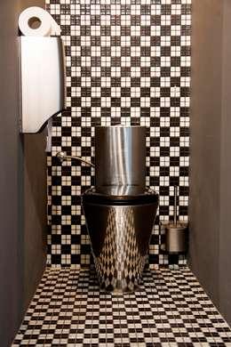industrial Bathroom by  Simona Garufi