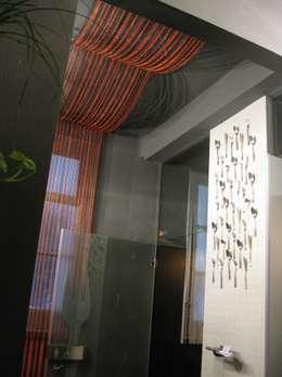 """Bathroom """"Somos lo que comemos"""": Baños de estilo industrial de  Simona Garufi"""