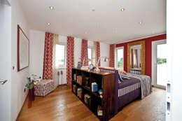 Chambre de style de style Moderne par ELK Fertighaus GmbH