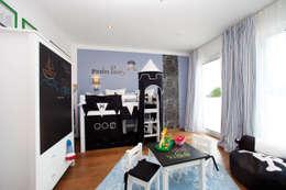 Chambre d'enfant de style de style Moderne par ELK Fertighaus GmbH