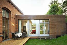 Jardines de estilo moderno por Carlos Zwick Architekten