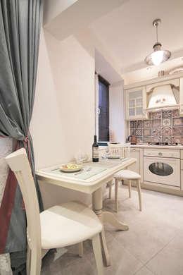 Квартира на Войковской Pakers: Кухни в . Автор – ДизайновТочкаРу