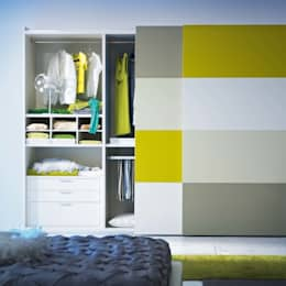 'Metropolis' 2 sliding door wardrobe by Mobilstella: modern Bedroom by My Italian Living