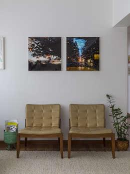 ห้องนั่งเล่น by Lucia Manzano