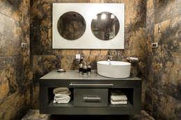 Casa Bugambilia: Baños de estilo  por Con Contenedores S.A. de C.V.