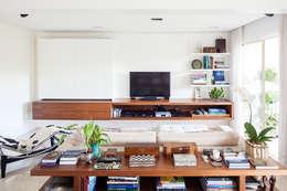 modern Media room by mmagalhães estúdio