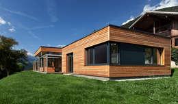 บ้านและที่อยู่อาศัย by pedit&partner architekten
