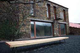 moderne Huizen door Atelier do Corvo