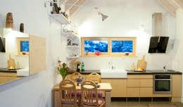 Aneks kuchenny w części dziennej,  zima: styl , w kategorii Kuchnia zaprojektowany przez Magdalena Zawada