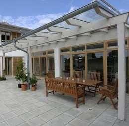 Terrazas de estilo  por Architekt Namberger