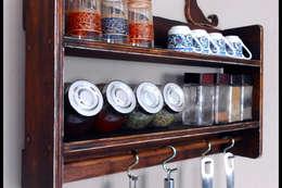 Pons Home Design – Ahşap Mutfak Rafı: rustik tarz tarz Mutfak