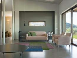 Sala de estar  por VERZELLONI