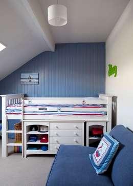 Recámaras de estilo ecléctico por Jude Burrows Interior Design