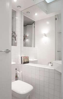 Baños de estilo moderno por Studio Pan