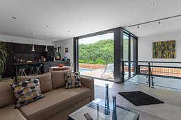 minimalistic Living room by Hugues TOURNIER Architecte