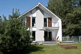Dom w Markach: styl , w kategorii  zaprojektowany przez ARB+
