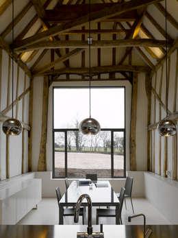 Ruang Makan by Hudson Architects