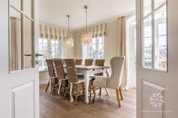 landelijke Eetkamer door Home Staging Sylt GmbH