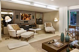modern Living room by Gláucia Britto