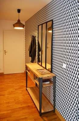 Appartement 60m² - Villejuif: Couloir et hall d'entrée de style  par Sandrine Carré