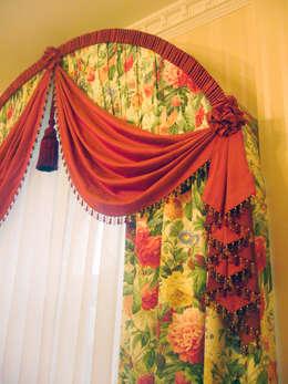 Дом в Подмосковье: Окна и двери в . Автор – Prosperity