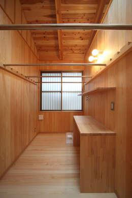 洗濯室: 青木昌則建築研究所が手掛けた和室です。