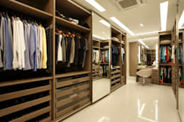 modern Dressing room by Arquitetura e Interior