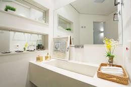 minimalistic Bathroom by Mayra Lopes Arquitetura | Interiores