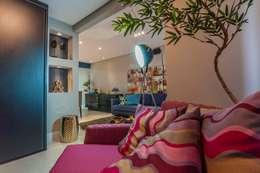 Condomínio Portal de Barcelos : Salas multimídia modernas por Lo. interiores