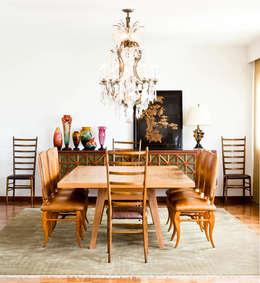 Apartamento Bairro de Higienópolis: Sala de jantar  por CARMELLO ARQUITETURA